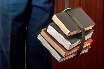 books-1012088_1920
